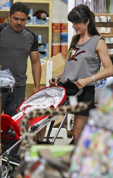 Selma Blair Picks Up A New Stroller For Saint