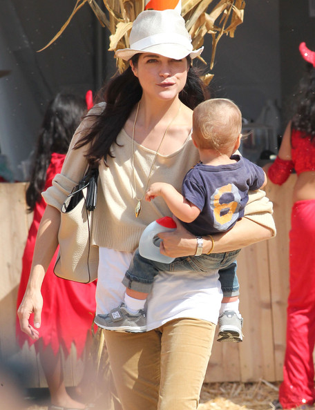 Selma Blair & Arthur Saint Pumpkin Patch 11