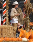 Selma Blair & Son Arthur Pumpkin Patch Fun 1