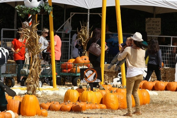 Selma Blair & Son Arthur Pumpkin Patch Fun 5