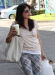 Selma Blair Spotted At Bristol Farms 12