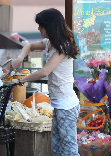 Selma Blair Spotted At Bristol Farms 20