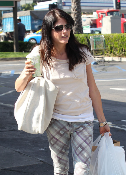Selma Blair Spotted At Bristol Farms 9