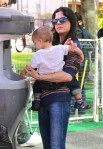 Selma Blair & Arthur Saint Farmers Market Fun 14