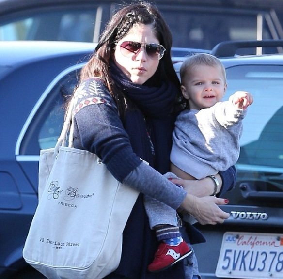 Selma Blair & Arthur Saint Grocery Run