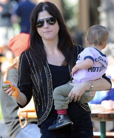 Selma Blair & Arthur Saint Picnic Lunch In Malibu