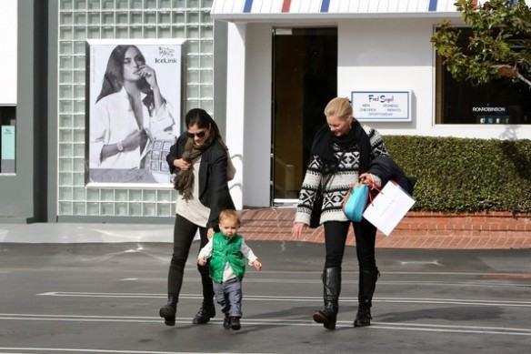 Selma Blair & Arthur Saint Shop Fred Segal With A Friend