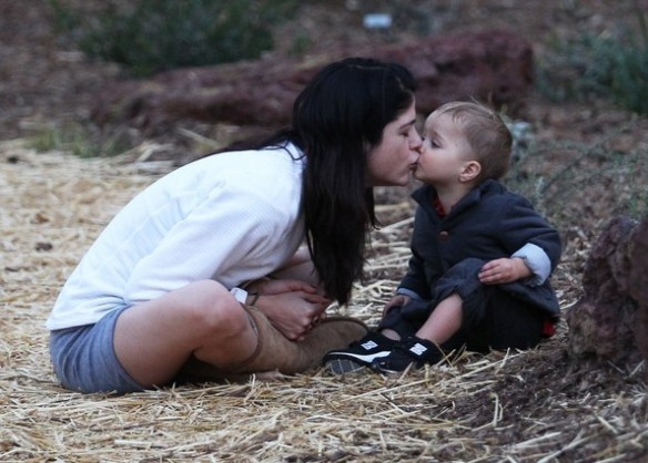 Selma Blair's Sweet Kisses From Saint