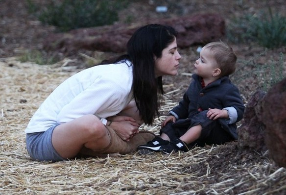 Selma Blair's Sweet Kisses From Saint 6