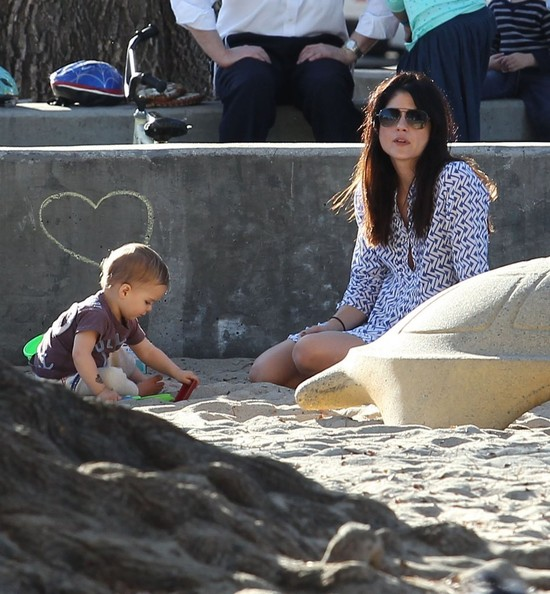 Selma Blair & Her Sandbox Buddies