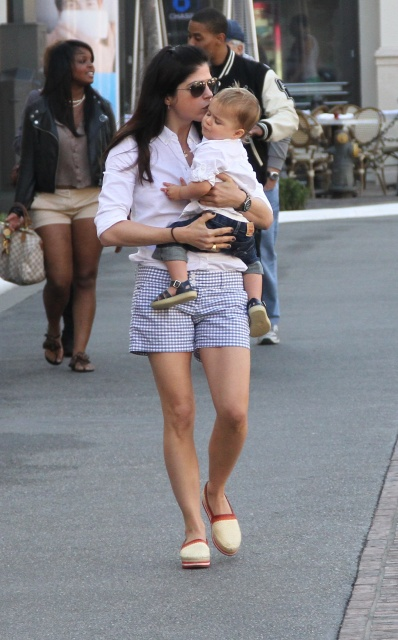 Selma Blair Kisses For Arthur 5