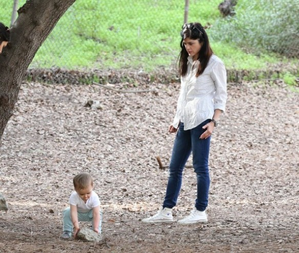 Selma Blair & Son Playtime At The Park 15