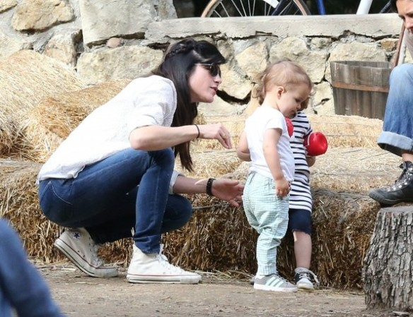 Selma Blair & Son Playtime At The Park 22