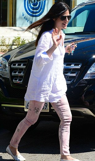 Selma Blair March 11 2013 6