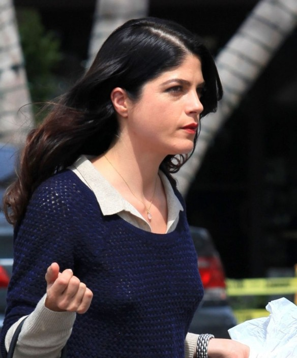 Selma Blair Steps Out For Supplies 3