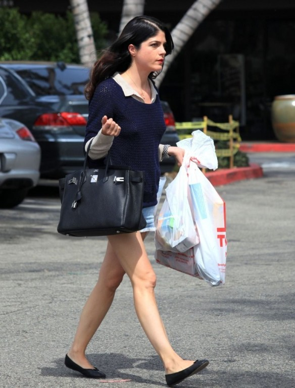 Selma Blair Steps Out For Supplies 4