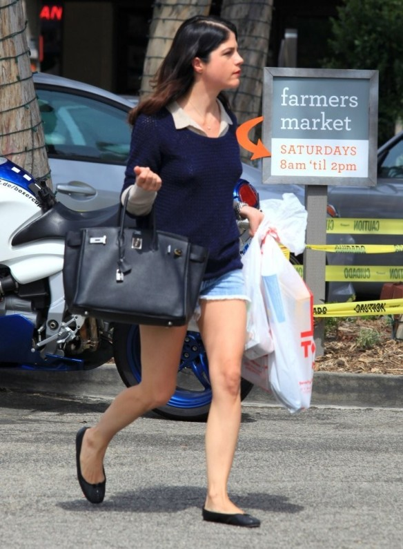 Selma Blair Steps Out For Supplies 5