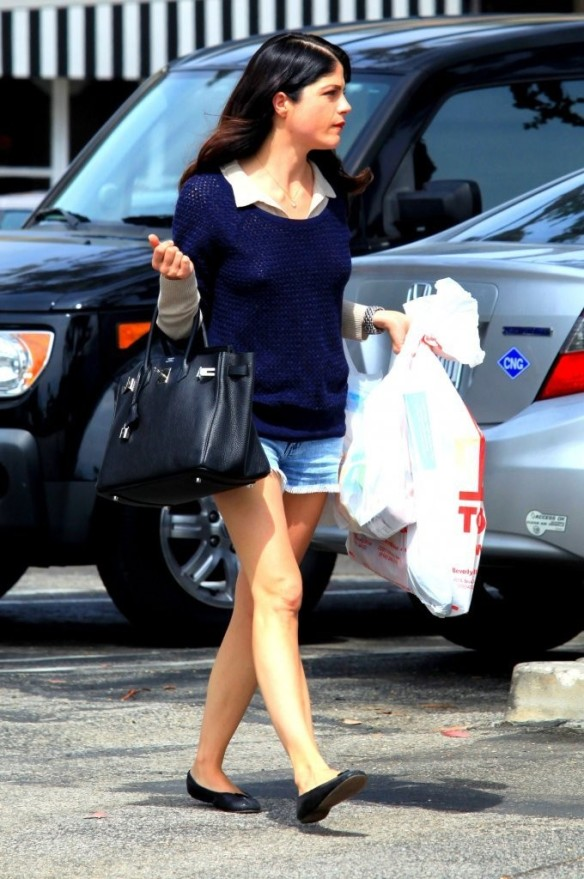 Selma Blair Steps Out For Supplies 7