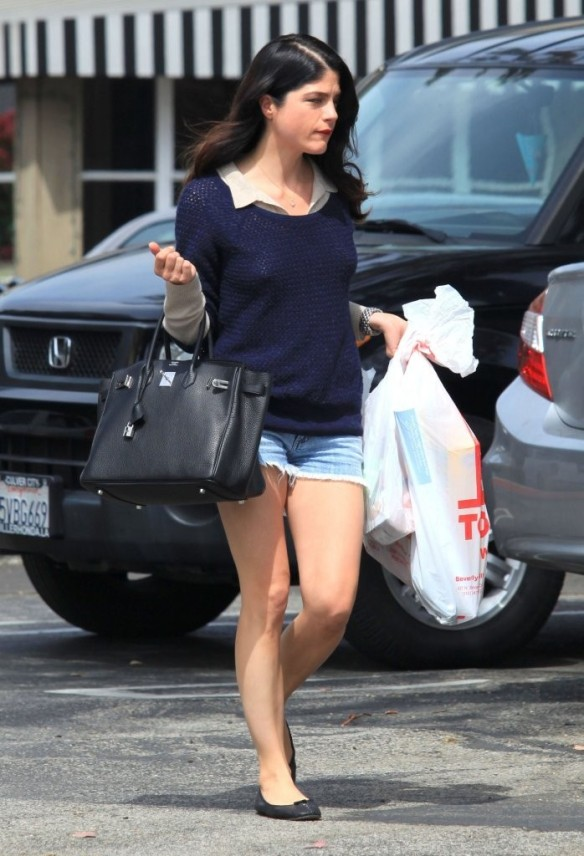 Selma Blair Steps Out For Supplies 8