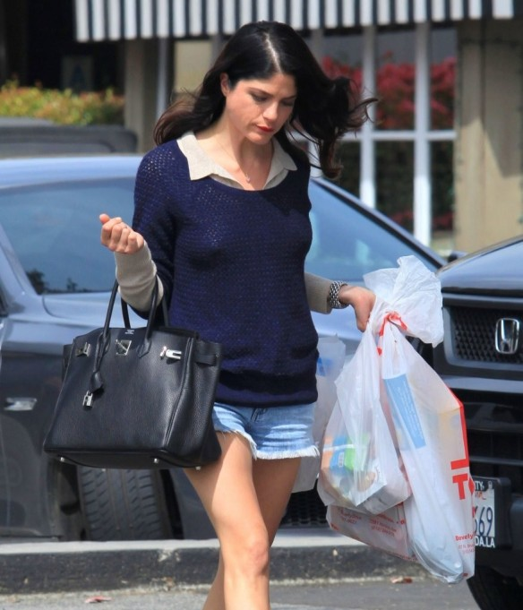 Selma Blair Steps Out For Supplies 9