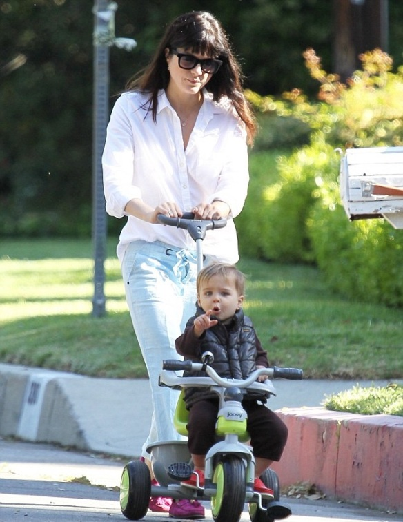 Selma Blair & Arthur Saint On A Morning Walk