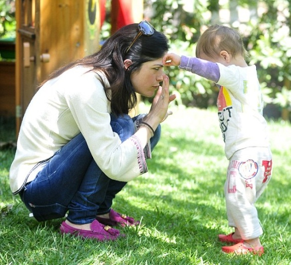 Selma Blair & Arthur Saint Puppy & Playhouse 6