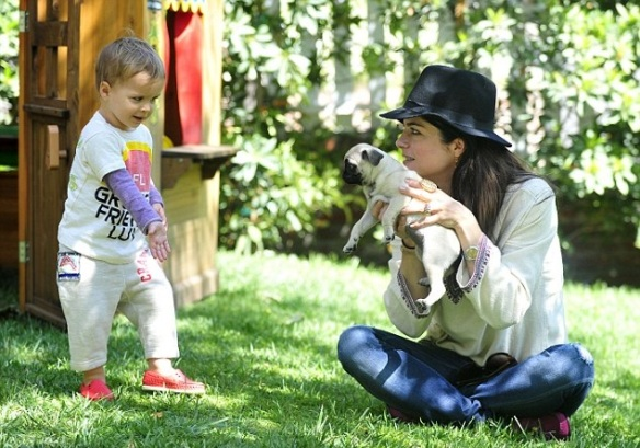 Selma Blair & Arthur Saint Puppy & Playhouse 8
