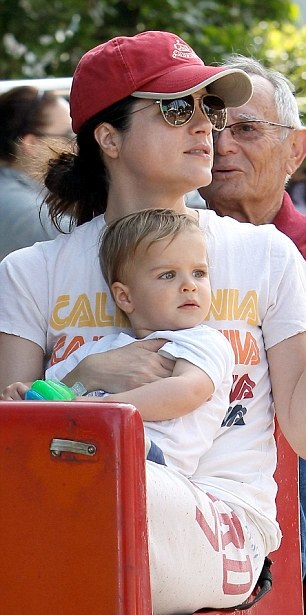 Selma Blair & Arthur Saint Ride The Train 3