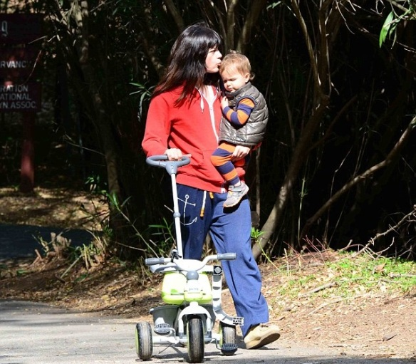 Selma Blair & Arthur Saint Take A Morning Hike 7