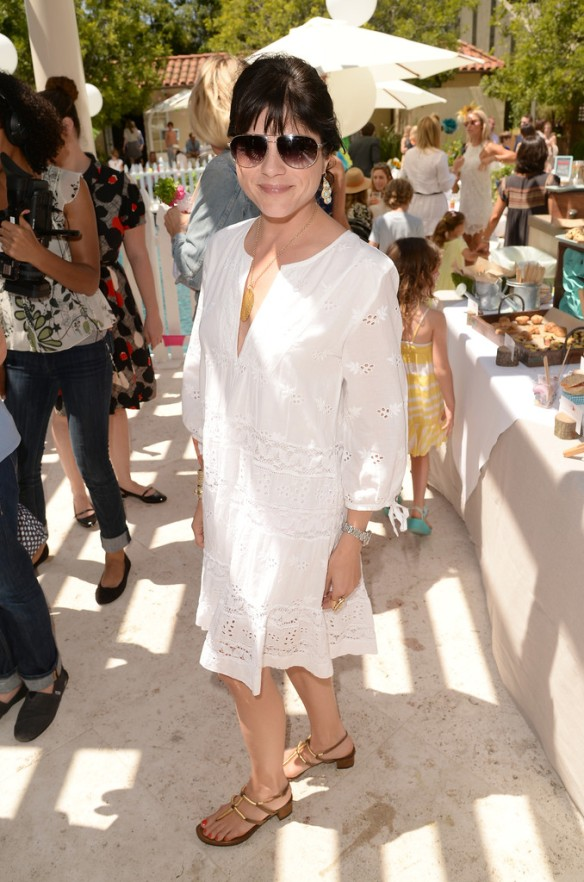 Selma Blair Attends Huggies Snug Dry Baby2Baby Mother's Day Event 4