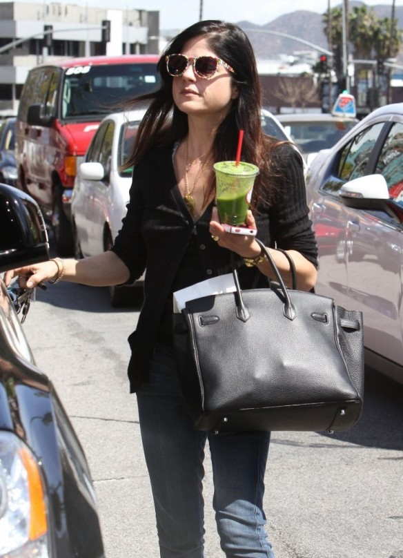 Selma Blair Grabs Lunch With A Friend 10