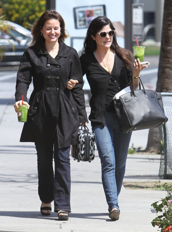 Selma Blair Grabs Lunch With A Friend 2