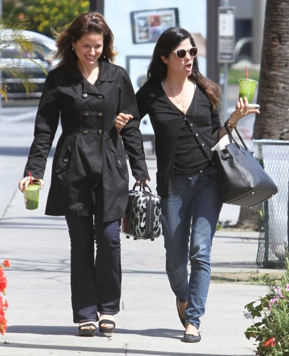Selma Blair Grabs Lunch With A Friend 3