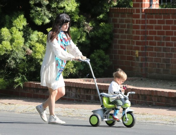 Selma Blair & Son Arthur Afternoon Outing 13