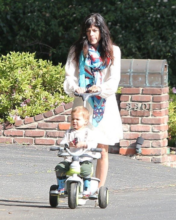 Selma Blair & Son Arthur Afternoon Outing 15