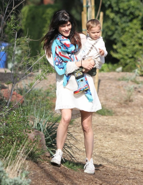 Selma Blair & Son Arthur Afternoon Outing 1