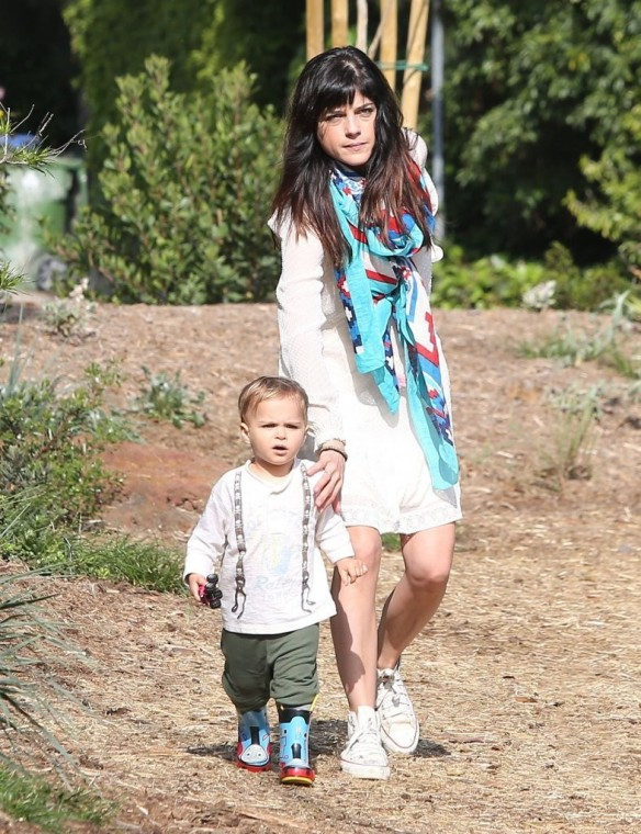 Selma Blair & Son Arthur Afternoon Outing 26