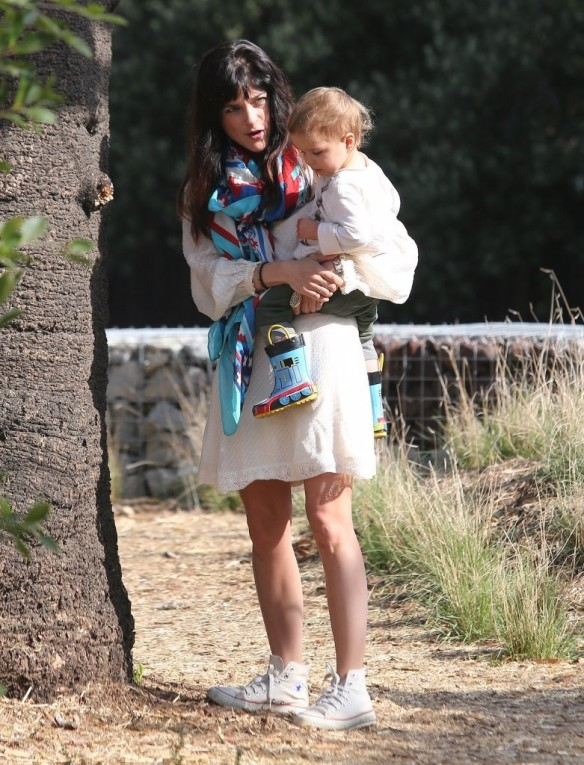 Selma Blair & Son Arthur Afternoon Outing 30