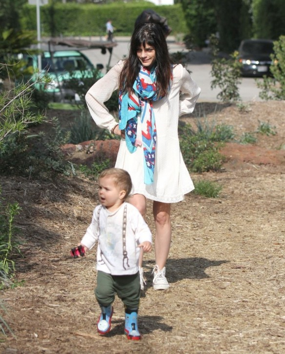 Selma Blair & Son Arthur Afternoon Outing 6