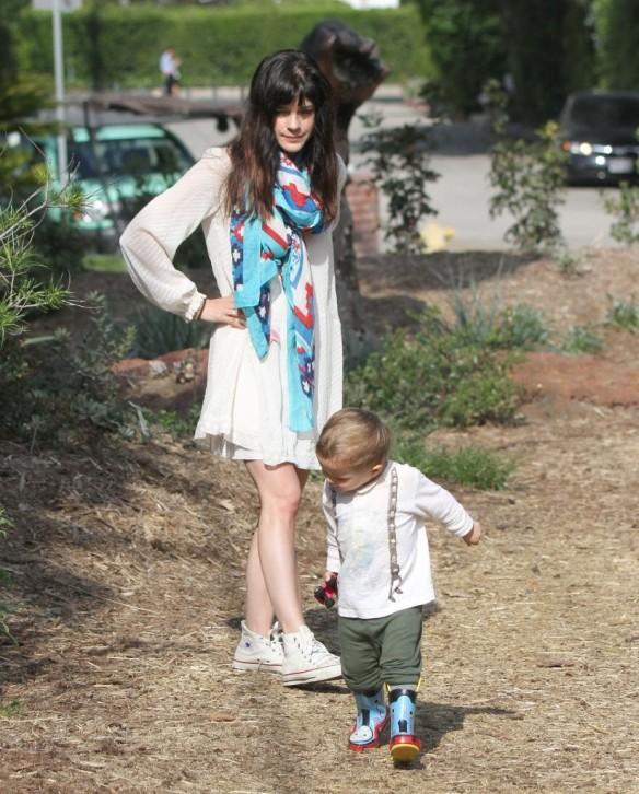 Selma Blair & Son Arthur Afternoon Outing 7