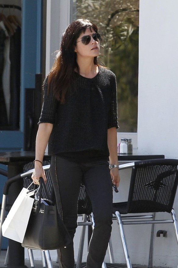 Selma Blair Stops For Coffee At Doughboys 4
