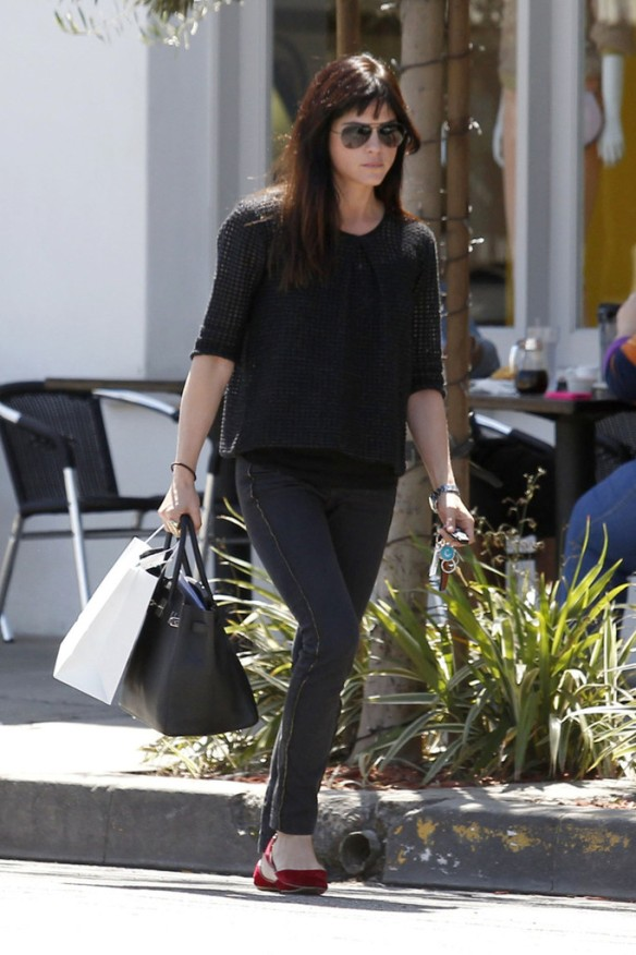 Selma Blair Stops For Coffee At Doughboys 6