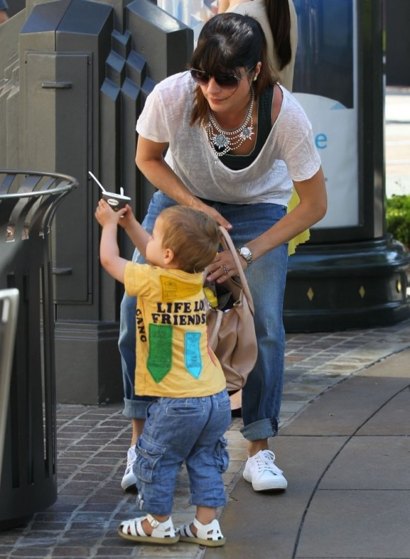 Selma Blair & Arthur Saint Go For Ice Cream 1