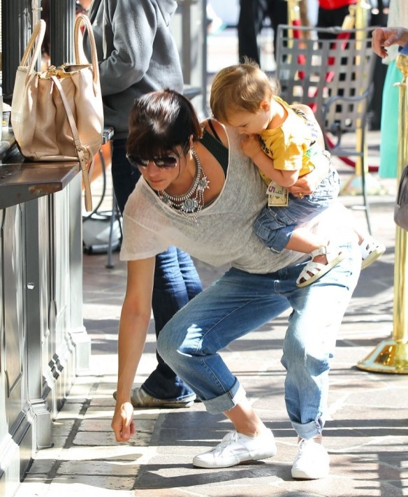 Selma Blair & Arthur Saint Go For Ice Cream 11