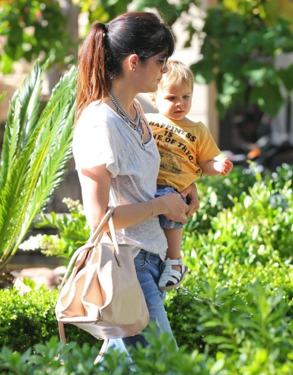 Selma Blair & Arthur Saint Go For Ice Cream 12