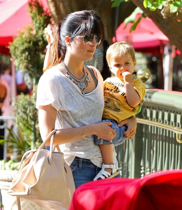 Selma Blair & Arthur Saint Go For Ice Cream 13