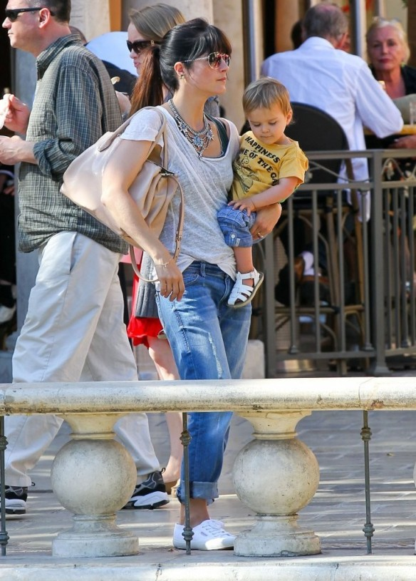 Selma Blair & Arthur Saint Go For Ice Cream 15