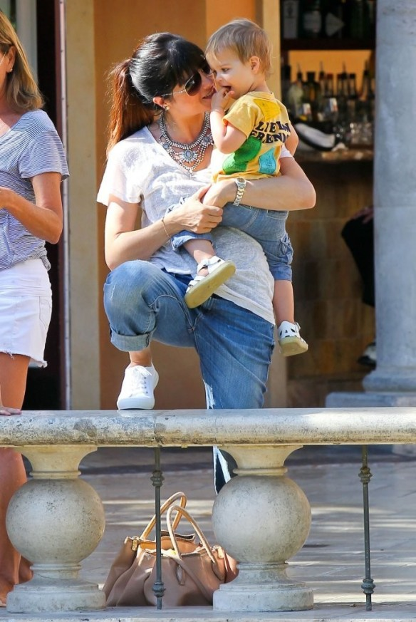 Selma Blair & Arthur Saint Go For Ice Cream 16
