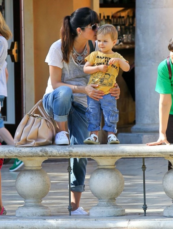 Selma Blair & Arthur Saint Go For Ice Cream 18
