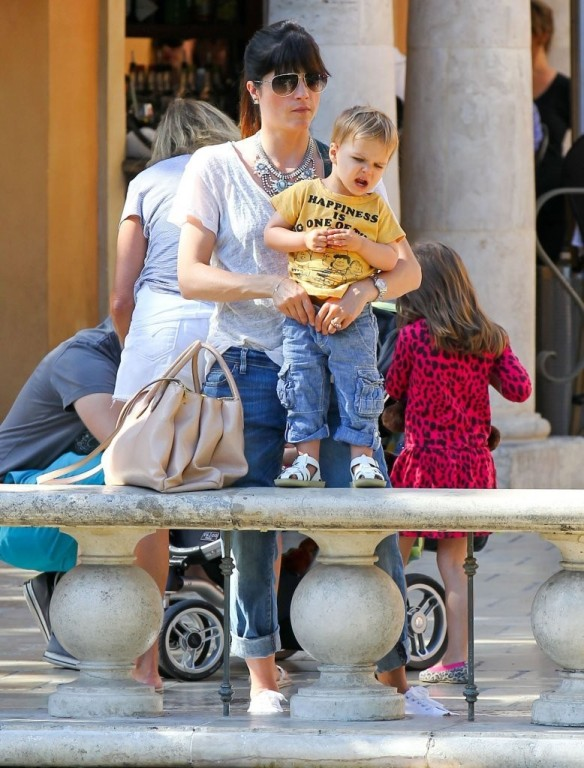 Selma Blair & Arthur Saint Go For Ice Cream 21